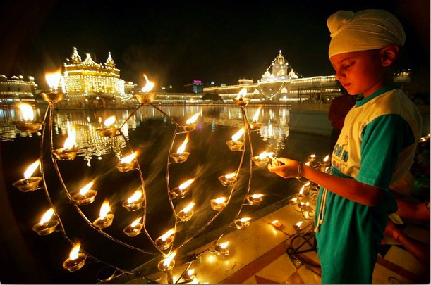 Golden Temple Diwali Celebration | Diwali Celebration 2018 | Diwali 2018 | Rgyan Blog